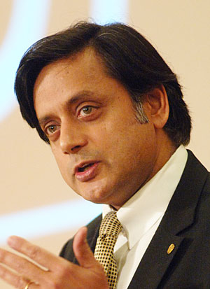 Shashi Tharoor resigns, Lalit Modi accused of money laundering